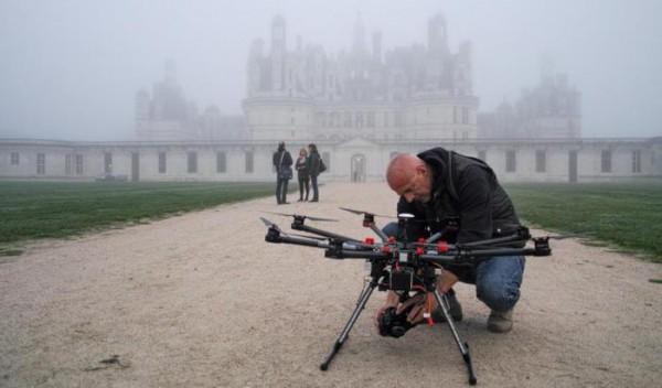 Des-drones-de-Touraine-dans-le-ciel-de-Chambord_reference